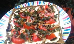 mushroomolivekalepizza